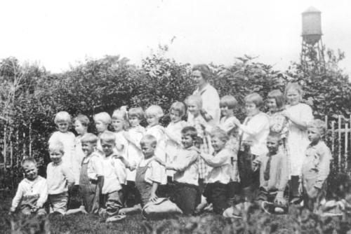 SWEDISH_SCHOOL_In_1918_Mamie_Hyltin