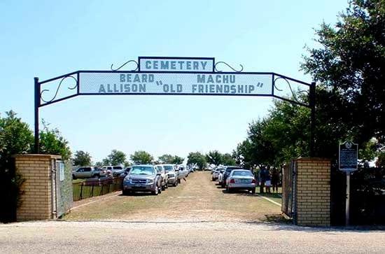 Machu_cemetery_8-17-13