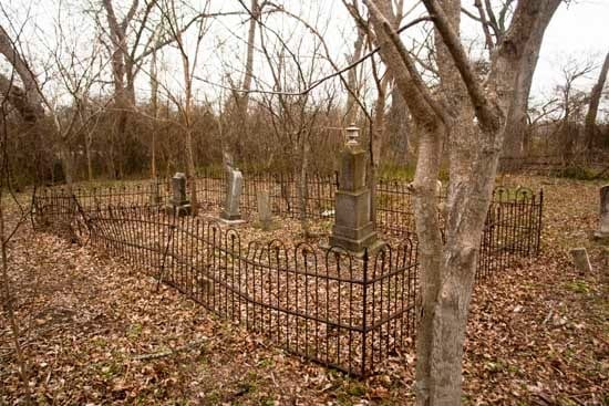 Rices_Crossing_cemetery-mid
